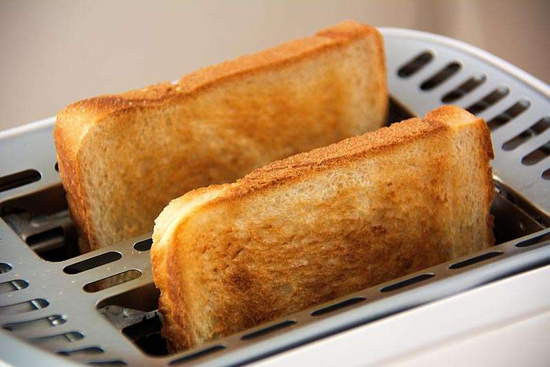 Toast helps fight pregnancy symptoms